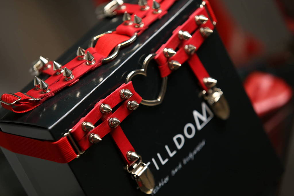 Stilldom Box